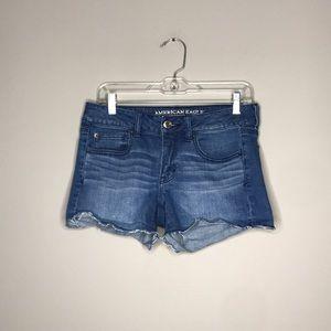 AEO Shortie stretch denim shorts sz 8